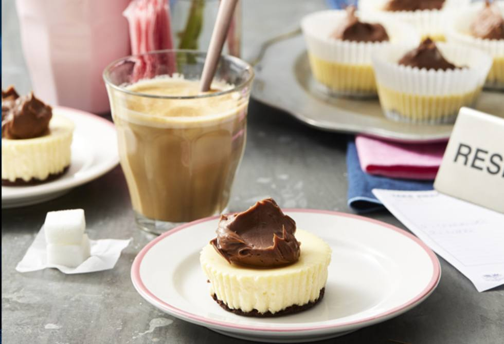 Mini baked chocolate cheesecakes