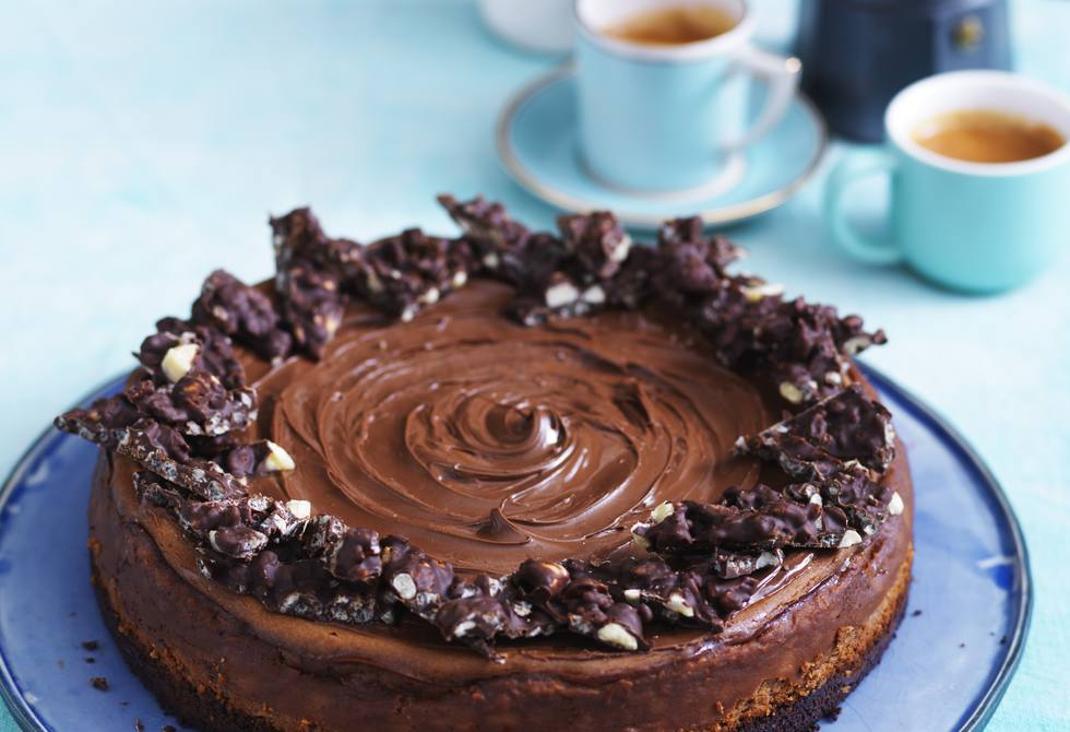 Choc-hazelnut crunch cheesecake