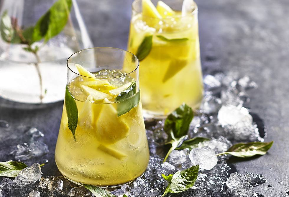 Pineapple basil breeze