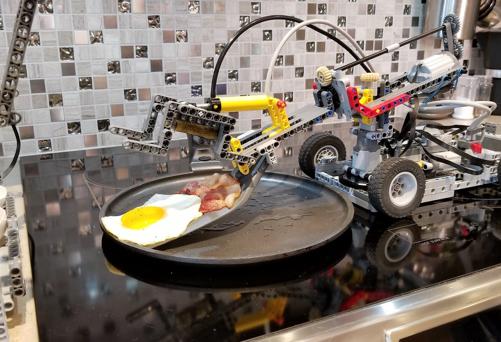 This Lego robot can make you breakfast