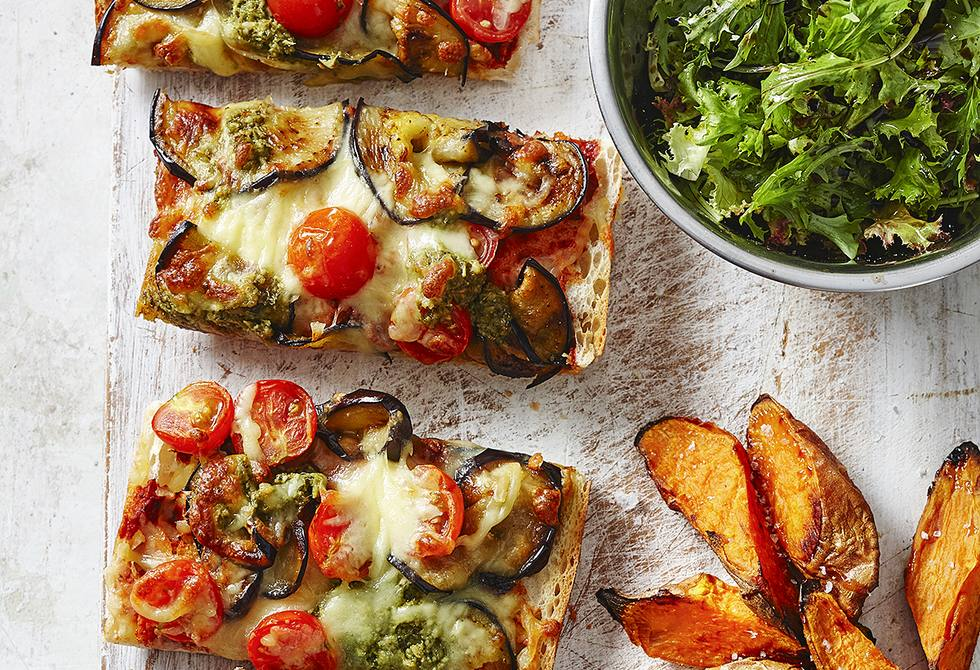 Eggplant and tomato pizza