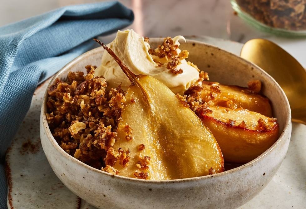 Maple-baked apples and pears with clove crumb