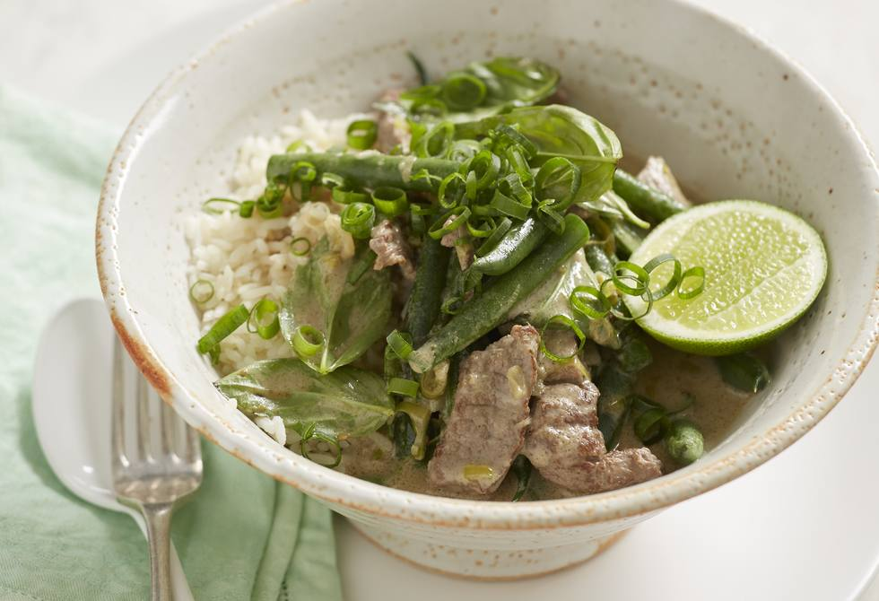 Mild beef curry with green beans
