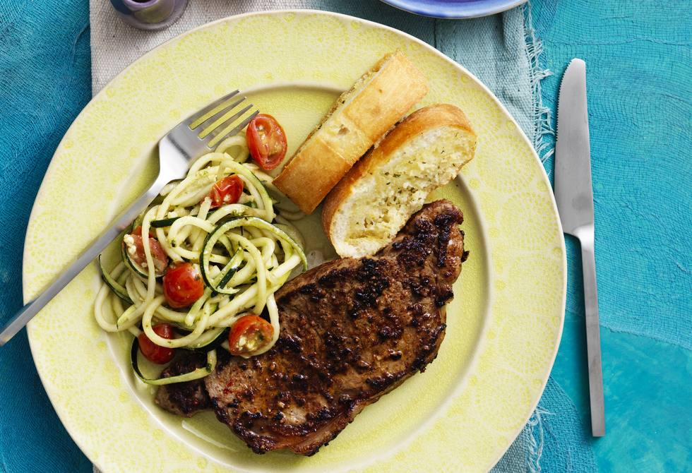 Steak with pesto zoodles