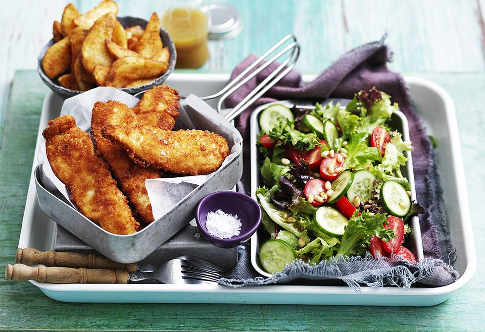 Biscuit-crumbed chicken with mixed salad