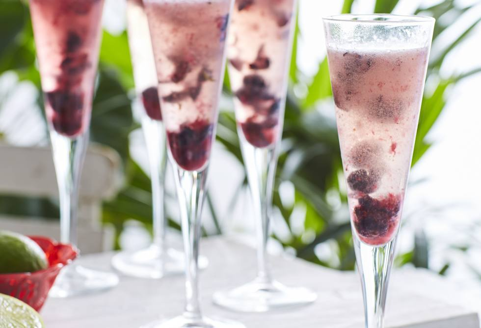 Blueberry and lime bellini