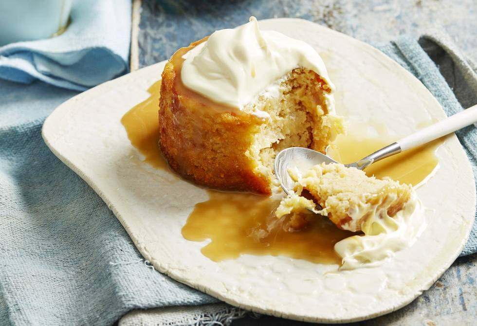 Pineapple and caramel cakes