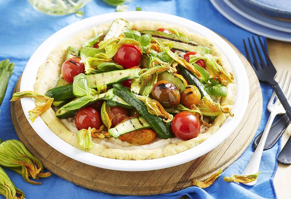 Cheesy polenta tart with beans and firegrilled vegetables