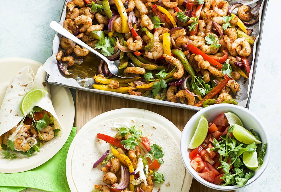 One-pan prawn fajitas