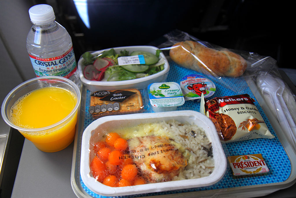 An industry insider advises to avoid chicken meals on aeroplanes. Photo credit: Jeff Greenberg / Getty Images.