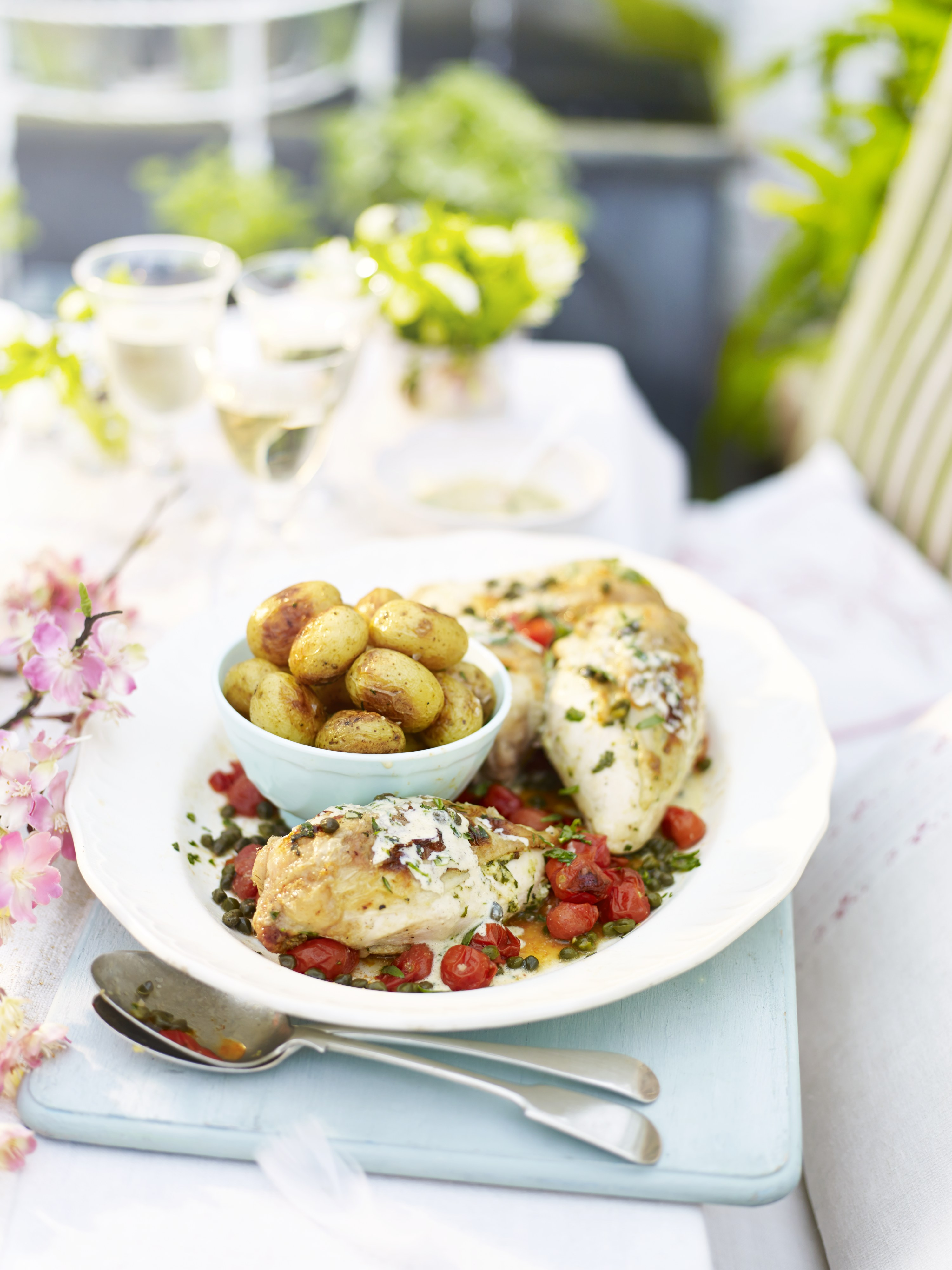 Baked chicken with mascarpone and tarragon