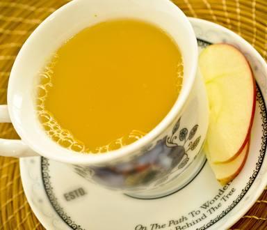 Chá de maracujá, maçã e canela