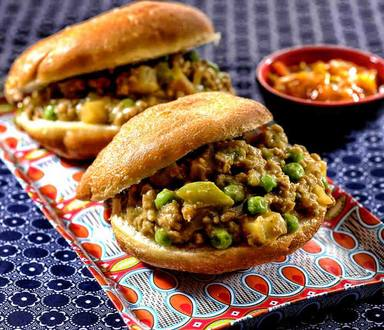 Chilli Mince with Vetkoek Recipe