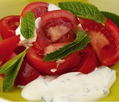 Ensalada de tomate con Calvé