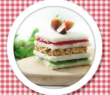 Recipe of Jam & Peanut Sandwich