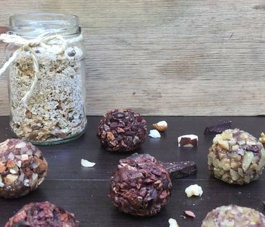 Trufa Vegana de Chocolate com Trato Mix