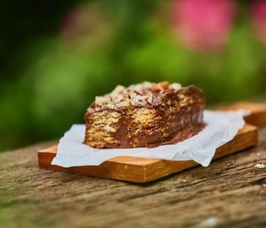 Pavê de Chocolate com um toque de Café e Castanhas