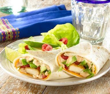 Vegetarische Beflügel-Nuggets Wraps mit BBQ Sauce