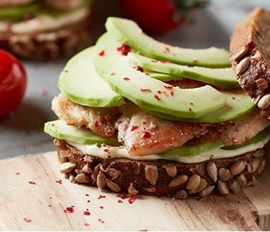 Kuřecí sendvič s avokádem