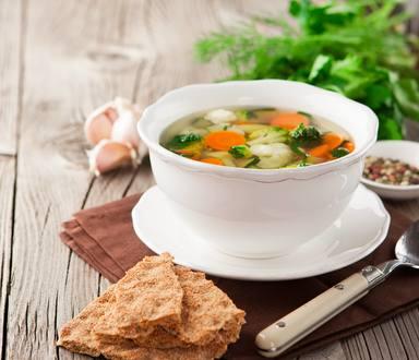 Supă de pui cu broccoli