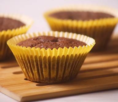 Muffins Integrais De Chocolate Com Banana