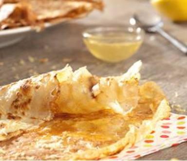 Crêpes au citron, miel et sucre pétillant sans gluten