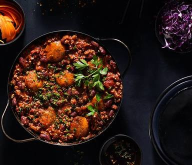 Spicy Mince And Red Kidney Beans With Herbed Dombolo