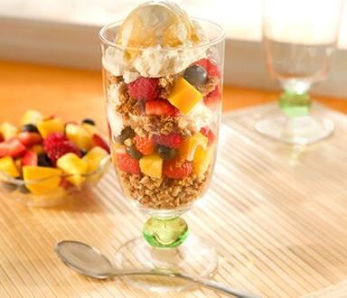 Parfaits Glacés aux Fruits et Mueslis