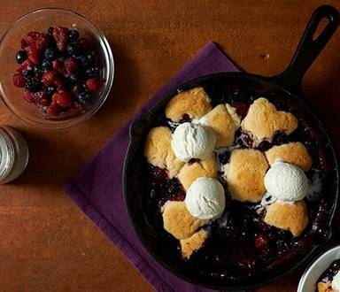 Berry Cobbler a la Mode