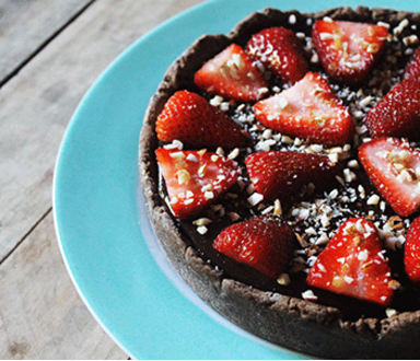 Torta de chocolate y frutillas