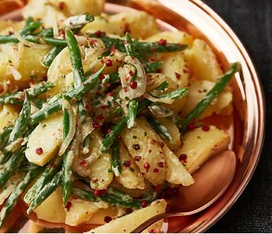 Bramborový salát se svěžími fazolkami