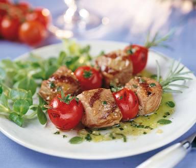 Kalfs- en tomaatspiesjes
