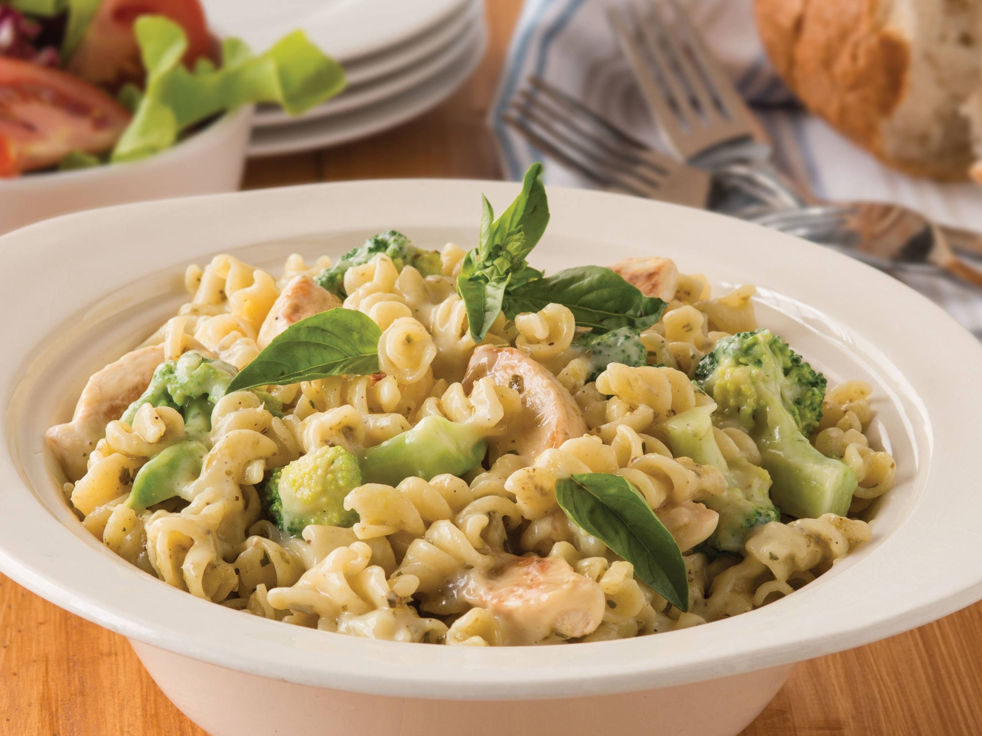 Chicken recipes mid week meal continental chicken pesto pasta recipe with broccoli forumfinder Gallery