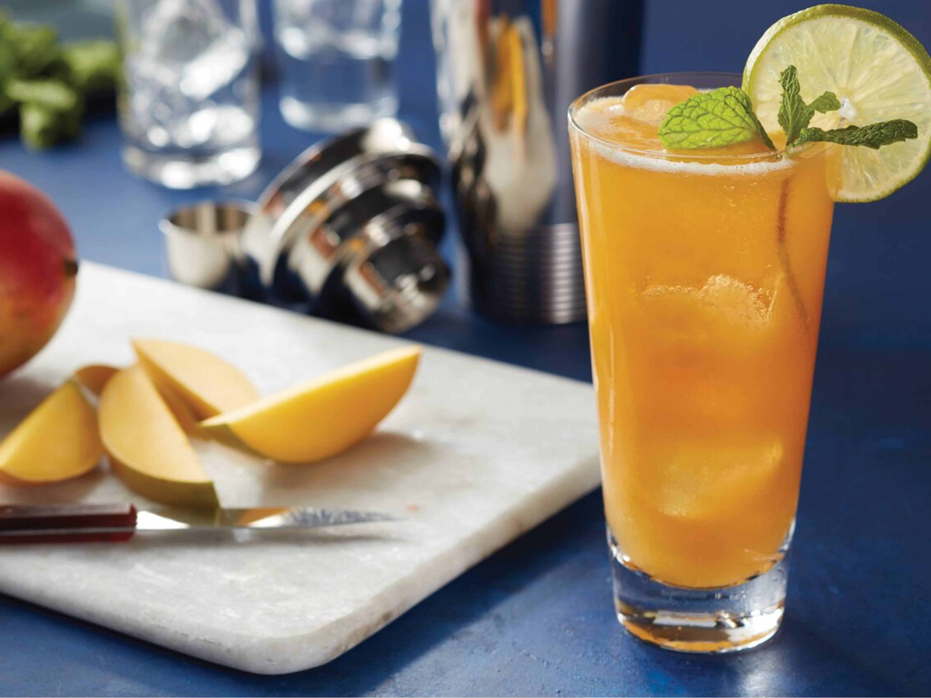 Lipton® Black Iced Tea Sparkling Mango Mocktail