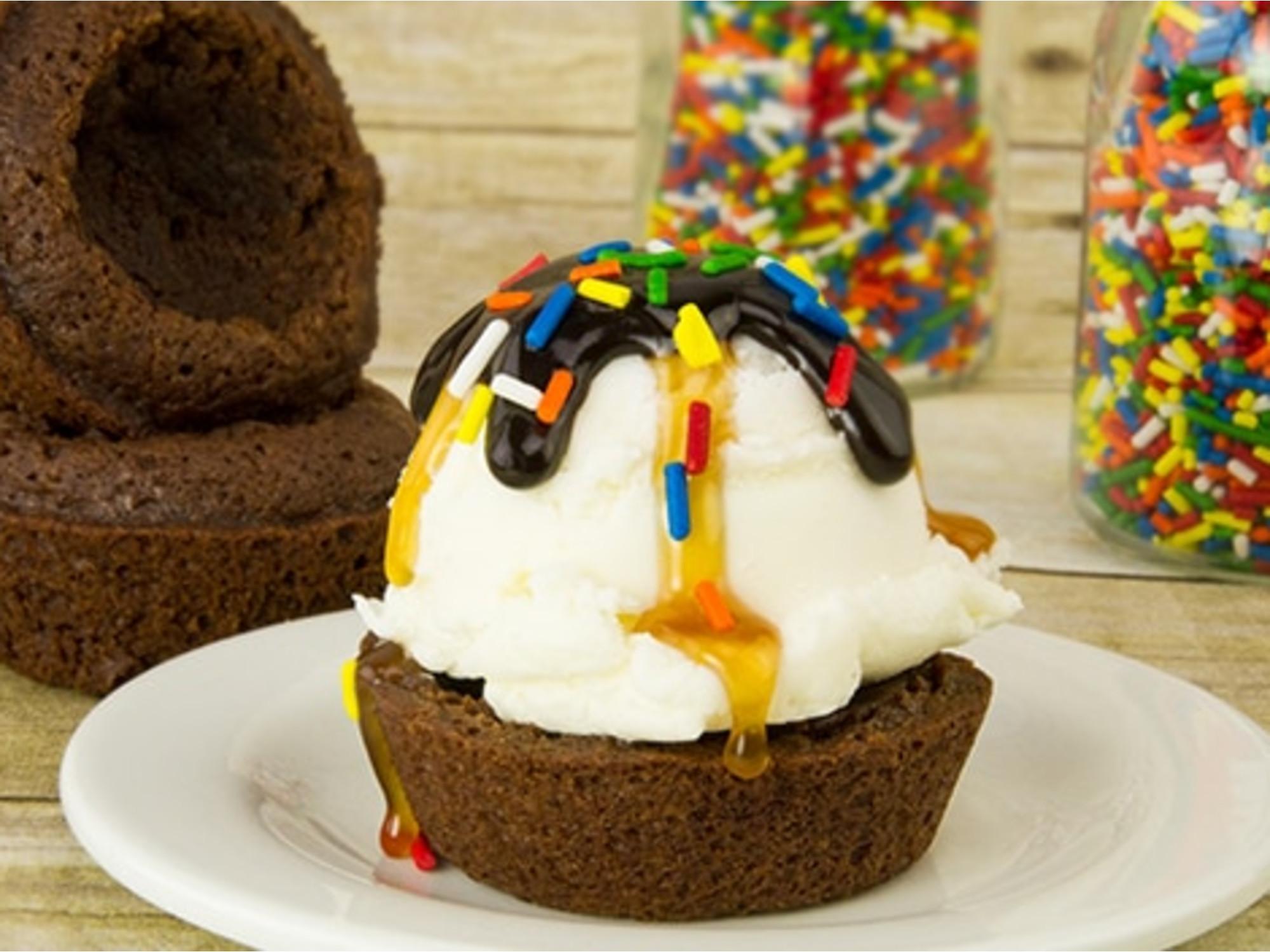 Coupes Glacées dans un Bol de  Brownie