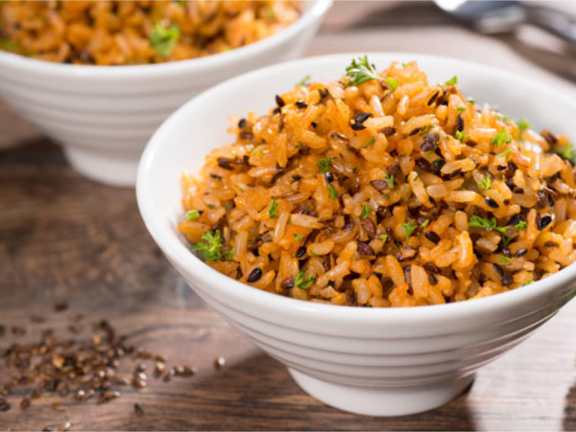 Receta arroz integral con pimenton y linaza y guiso casero Fruco®