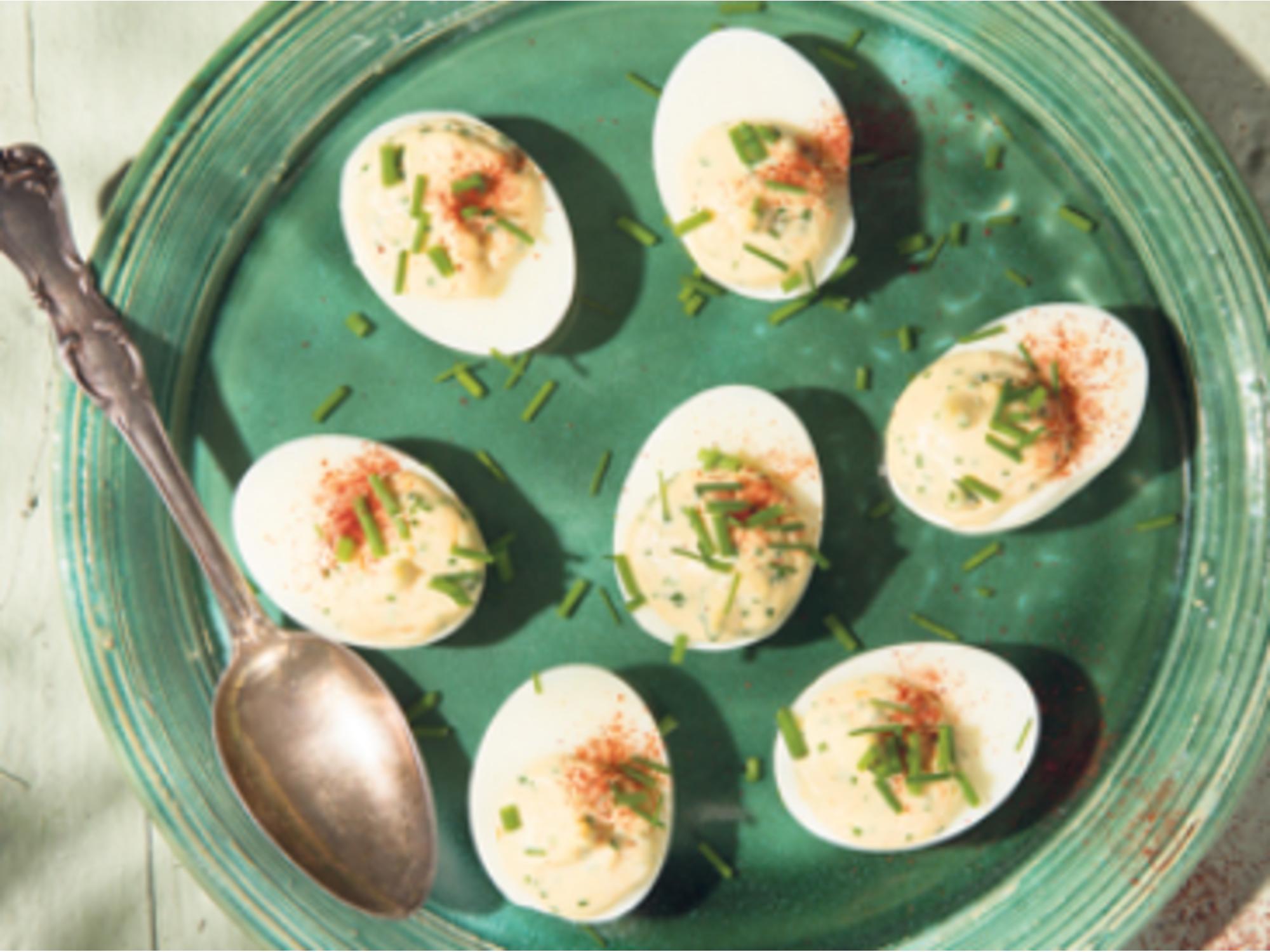 Paholaisen munat jokirapu-majoneesitäytteellä | Hellmann's