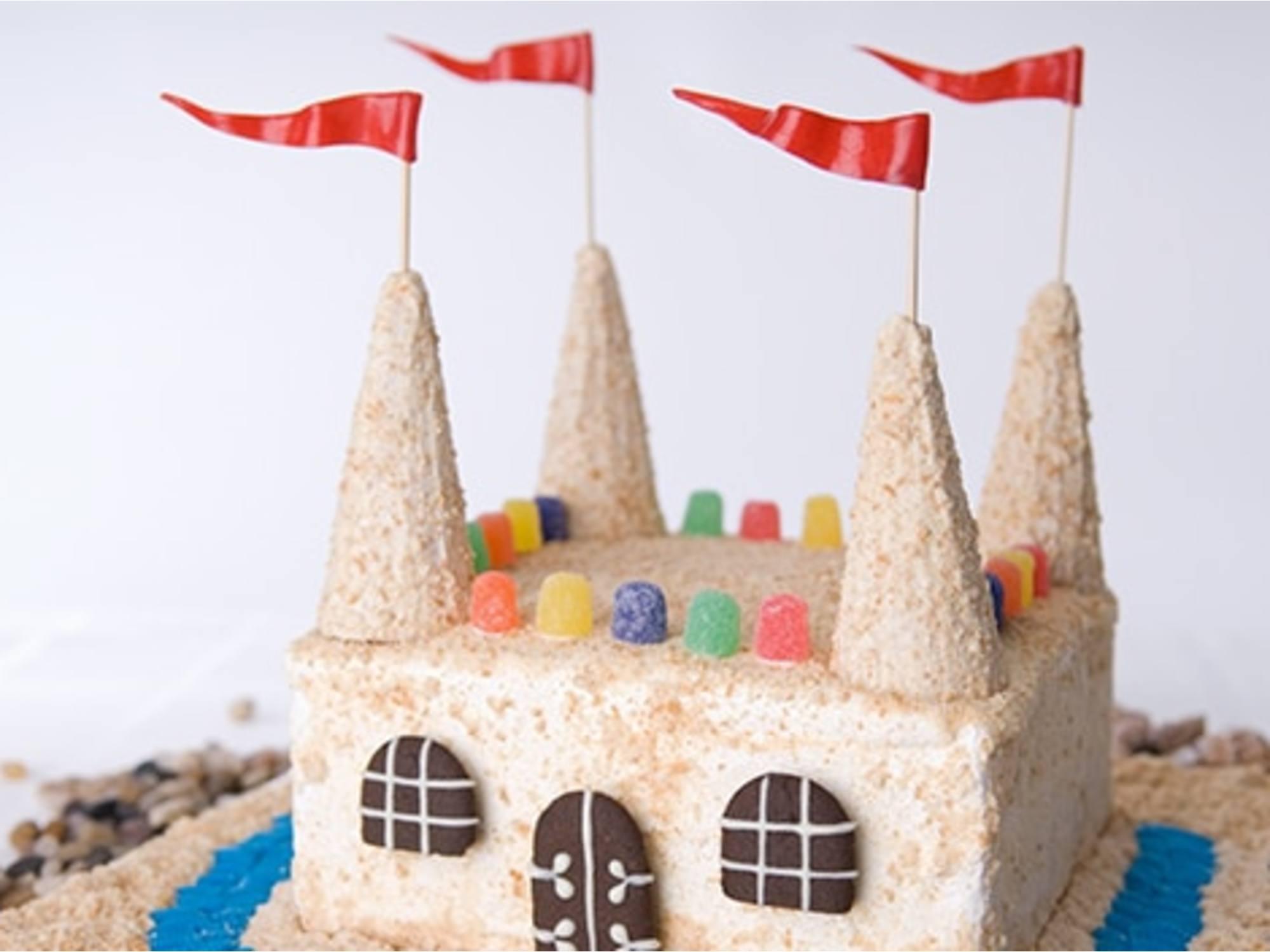 Pastel helado de castillo de arena