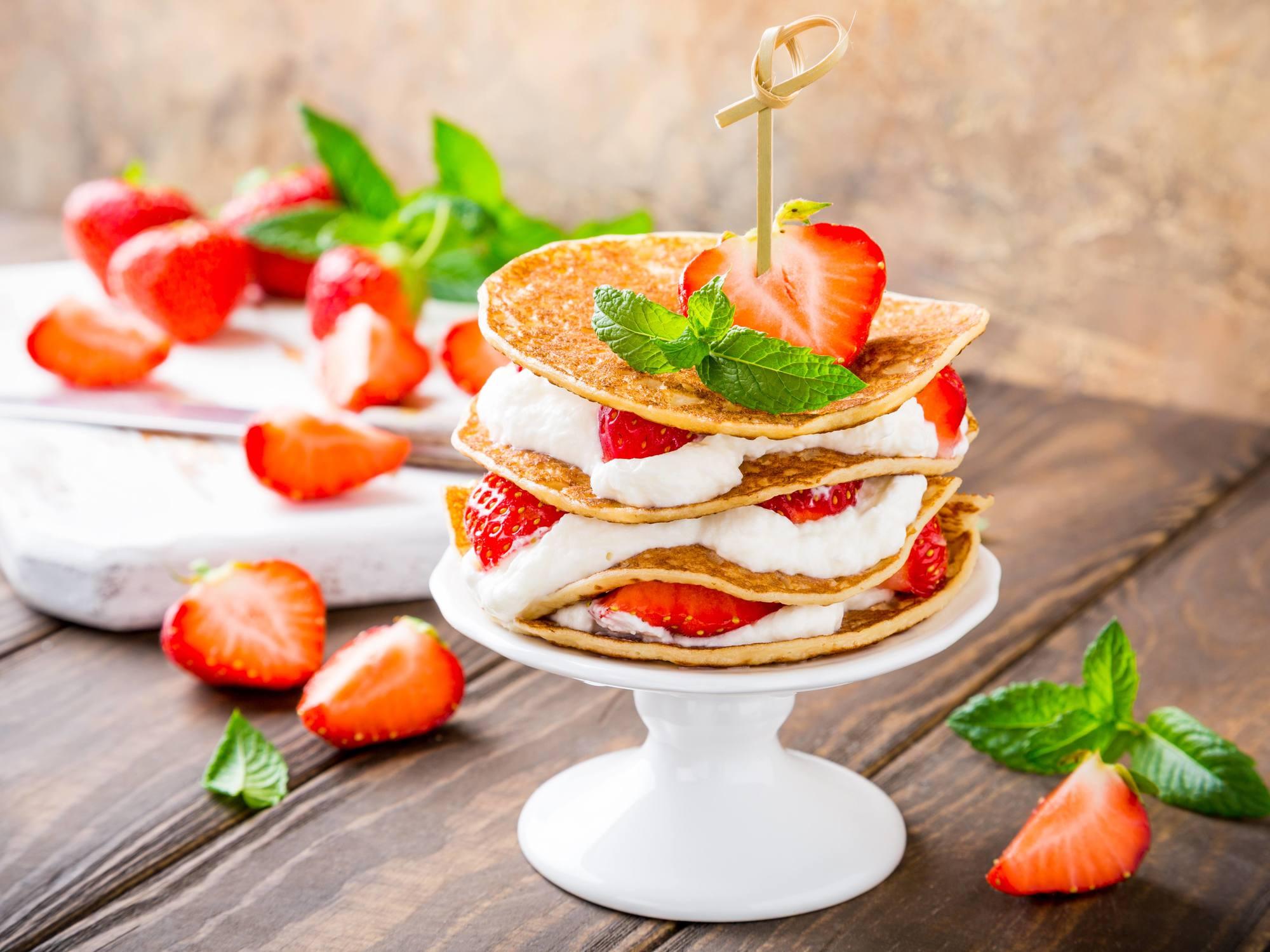 Mille-crêpes aux fraises et chantilly sans gluten