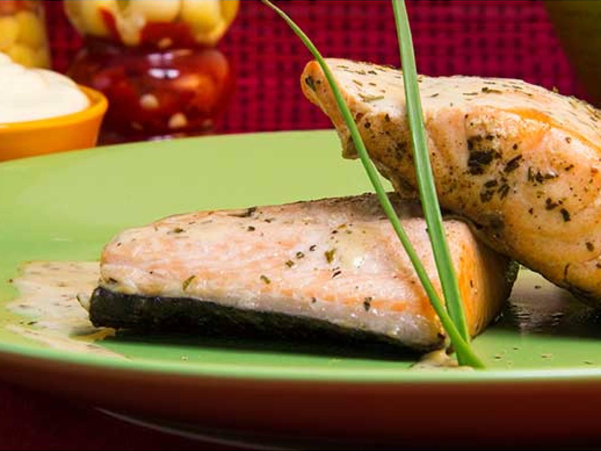 Salmon a las Finas Hierbas con Mayodulce Fruco