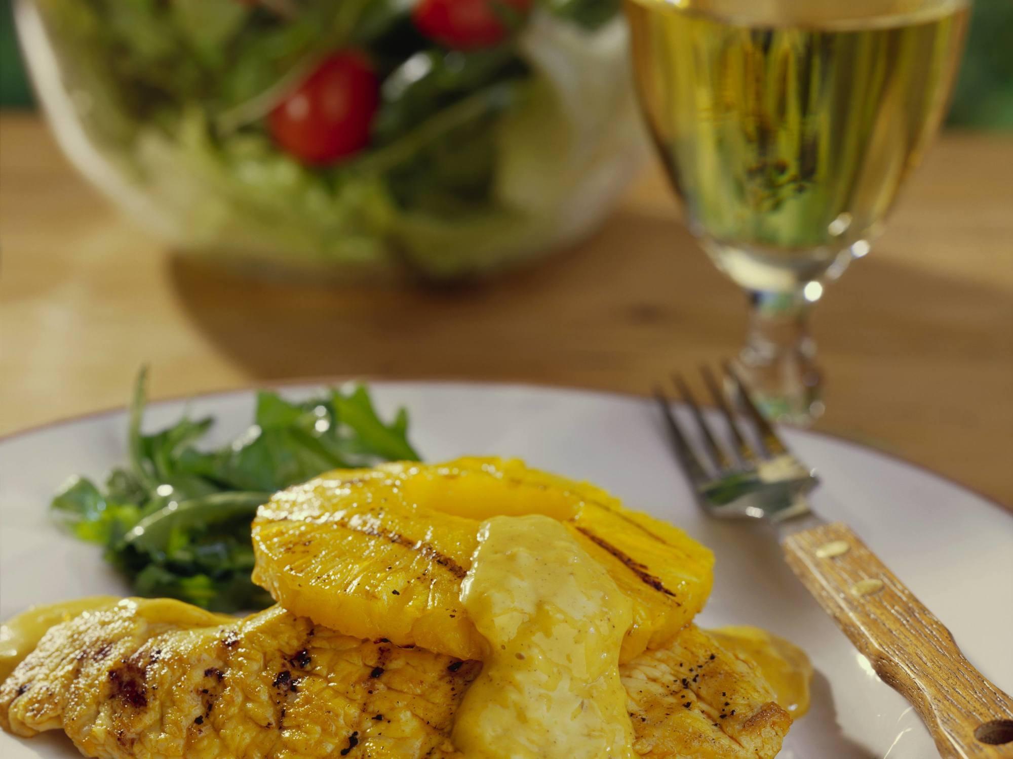 Putenschnitzel mit Ananas