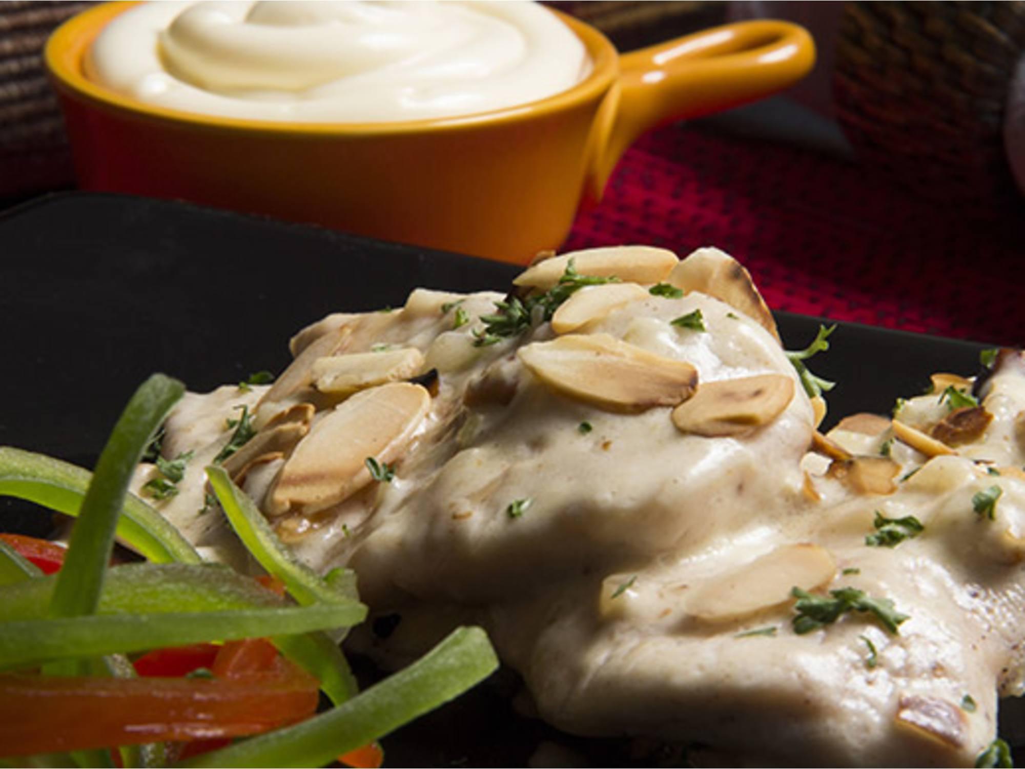 Supremas en Salsa de Almendras con Mayonesa Fruco