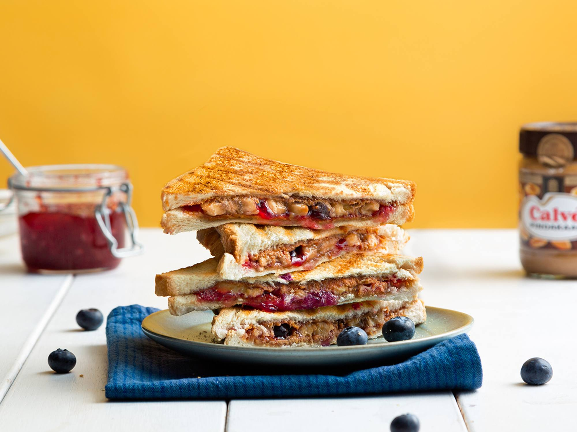 Peanutbutter-jelly tosti met banaan en jam