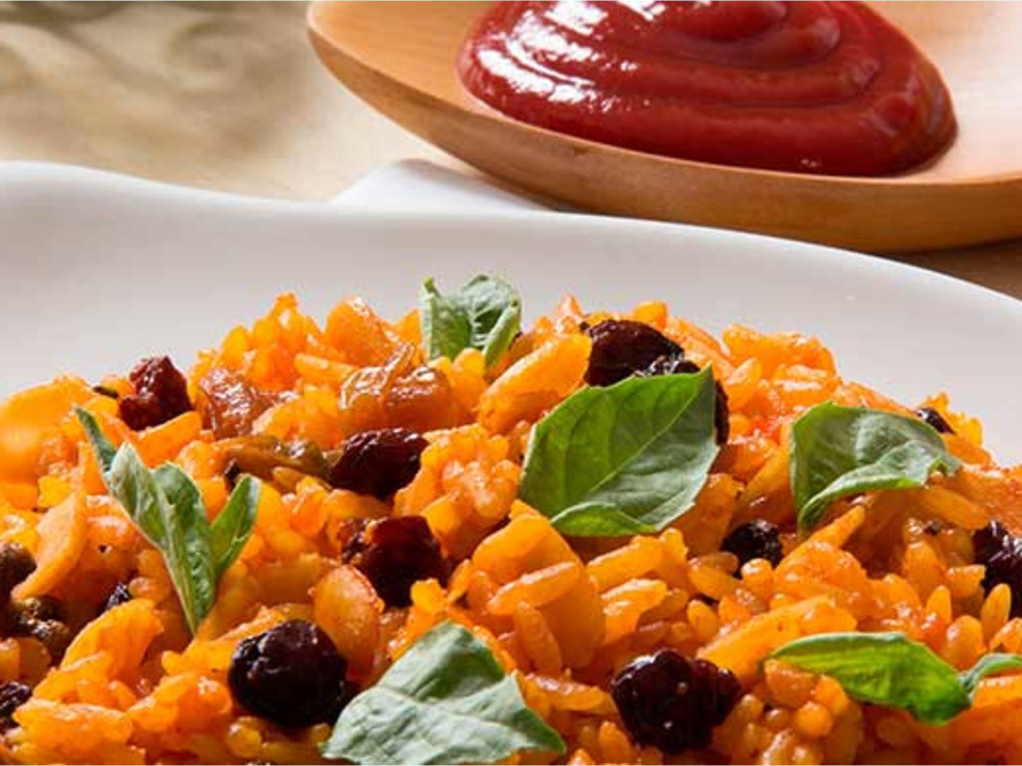 Arroz Navideño con Salsa de Tomate Fruco