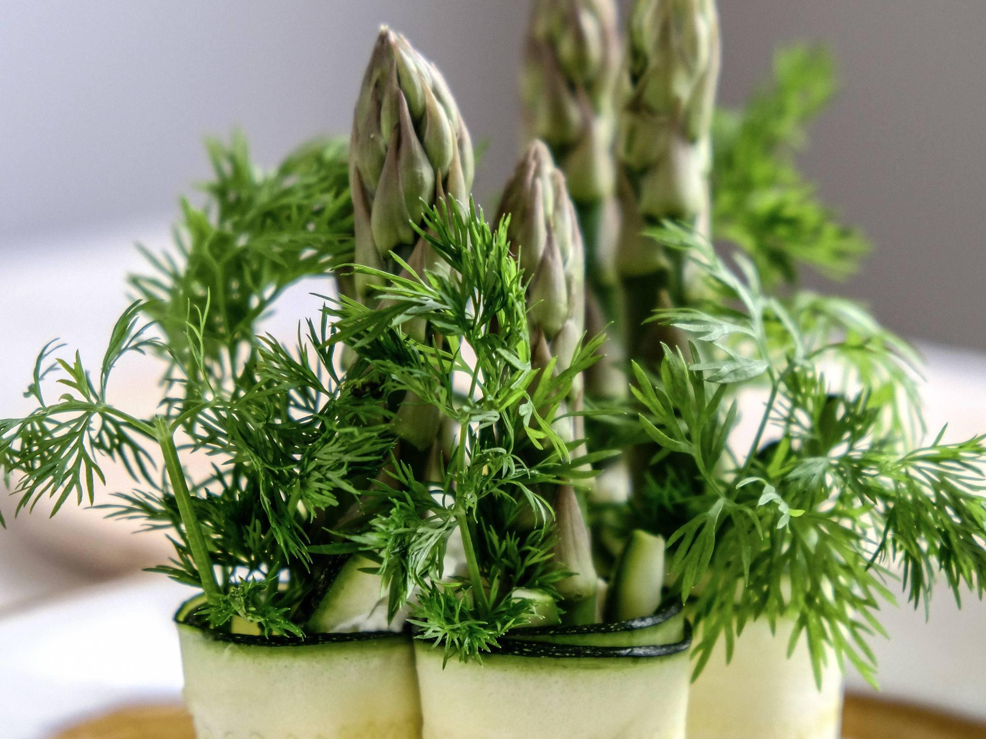 Rulouri de zucchini cu maioneza vegana