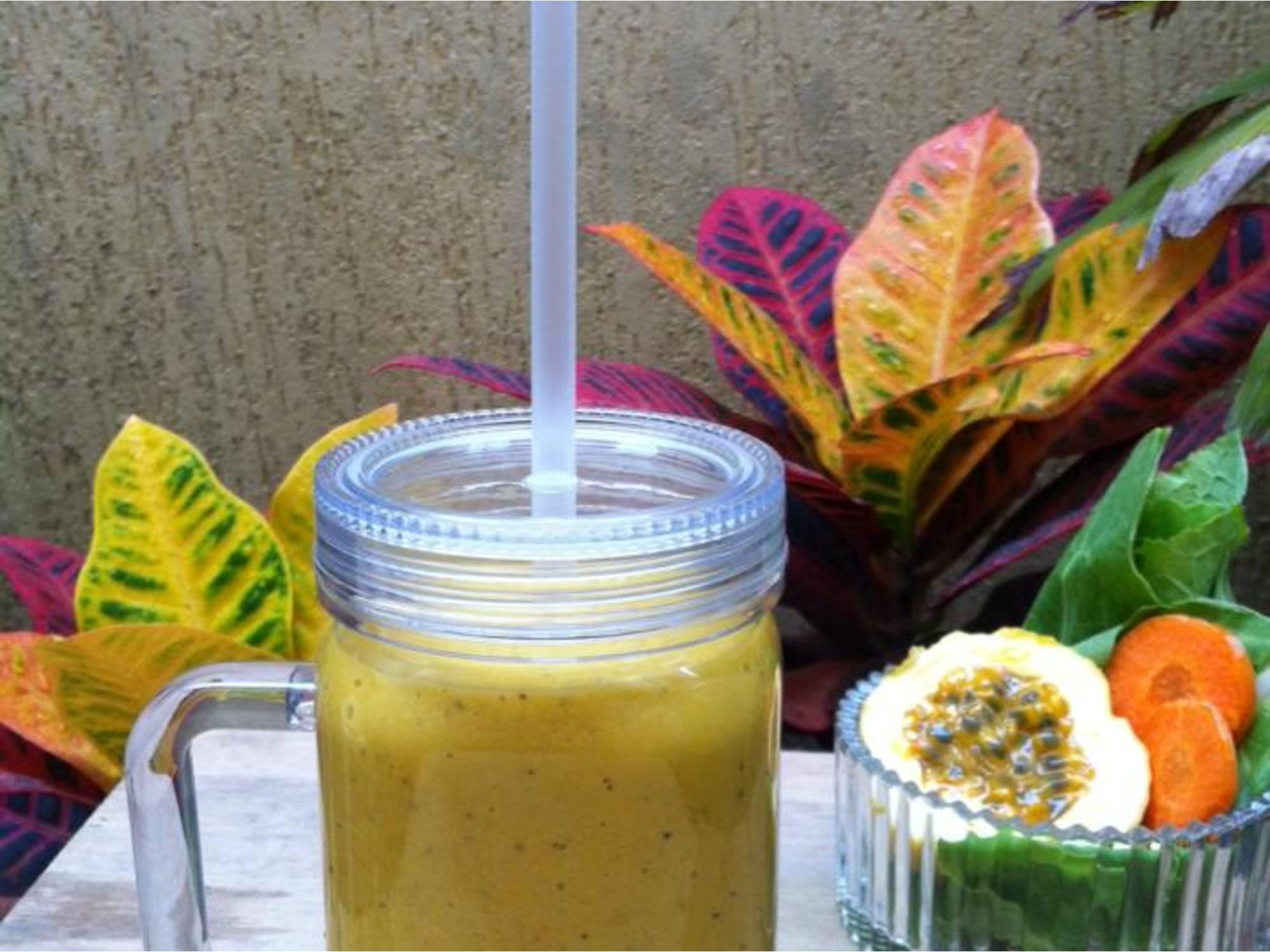 Smoothie Funcional de Frutas Amarelas com Aveia