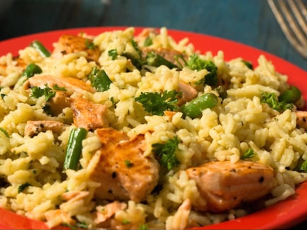 Scampi de salmón y arroz