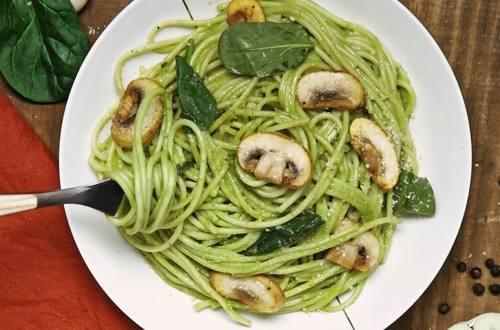 Espagueti con Espinaca