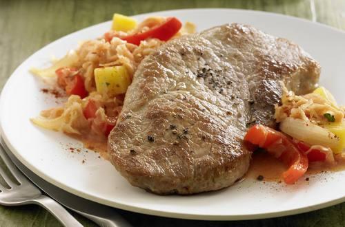 Knorr - Szegediner Ofenschnitzel mit Kartoffeln und Sauerkraut