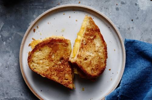 Sándwich especial de queso a la parrilla perfectamente crocante